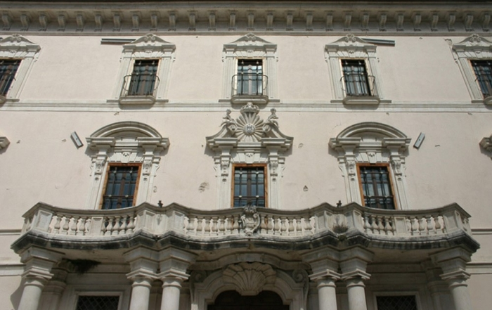 Facciata del Palazzo Centi