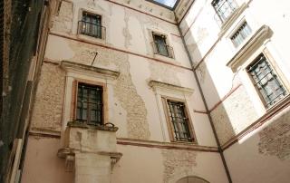 Corte Interna del Palazzo Centi