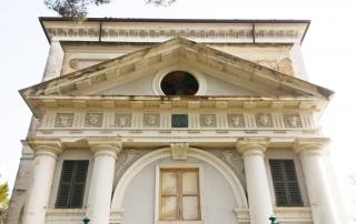 Faccia anteriore della villa